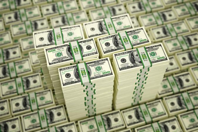 В «Финбанке» занимались валютными спекуляциями: следы ведут в Москву