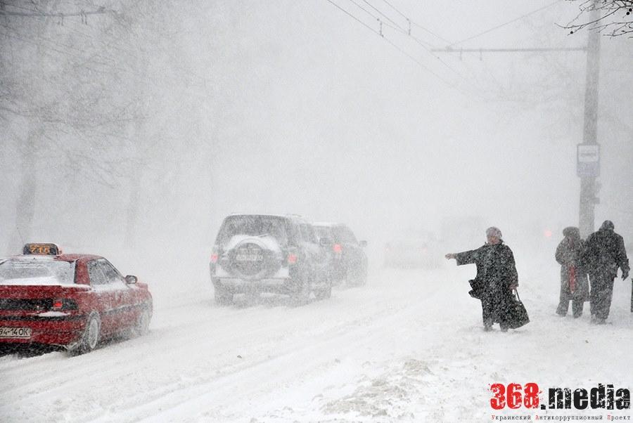 За снежный коллапс на дорогах Одесской области так никто и не ответил