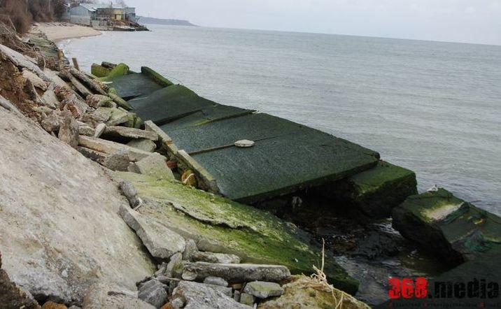 Ассенизаторы превращают Одесский залив в «выгребную яму»