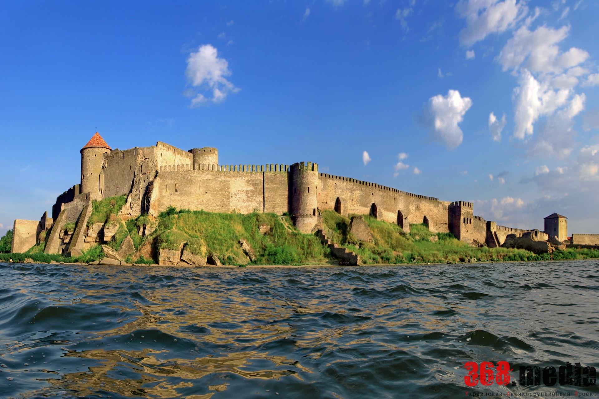 «В Белгород-Днестровской крепости идет борьба за турникет» – археолог Андрей Красножон