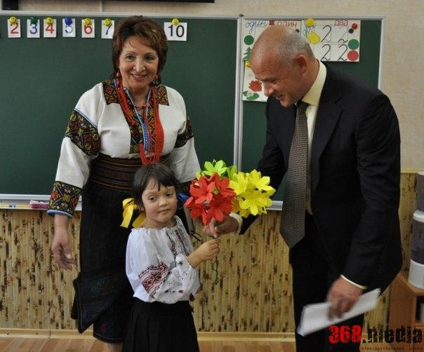 Геннадий Труханов в 7-й гимназии. Фото: vk.com