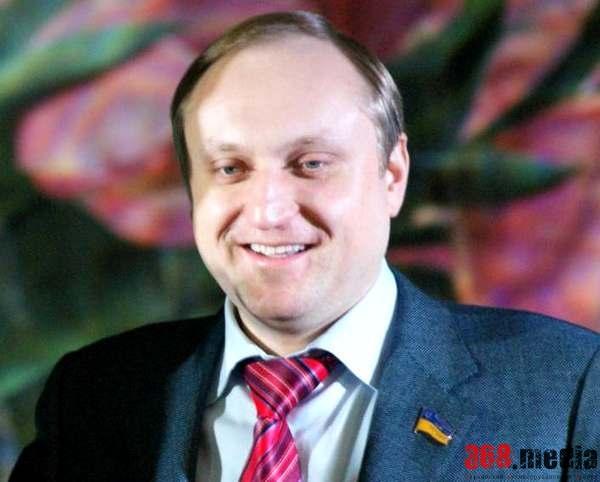 Разыскиваемый Артем Пшонка продал квартиру в центре Киева