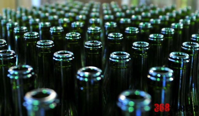 В Виннице налоговики помогли организовать крупную сеть продажи  поддельного алкоголя