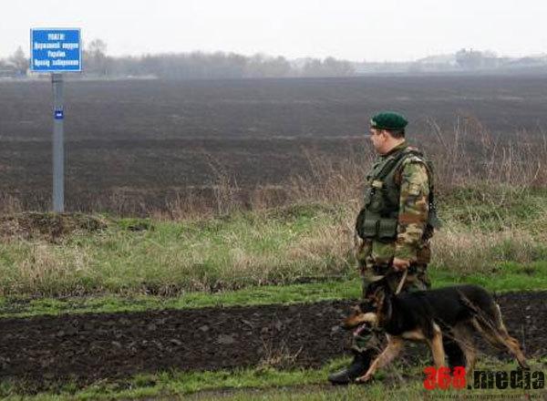 Харьковский пограничник, вымогавший у сержанта три тысячи долларов, остался на свободе