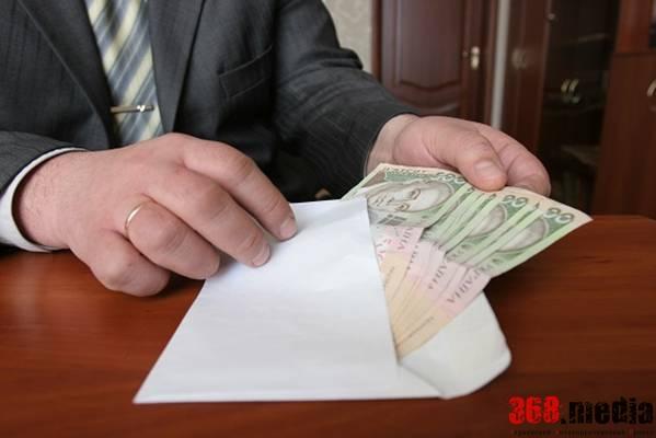 Глава сельсовета в зоне АТО вымогал у бизнесмена 200 тысяч гривен
