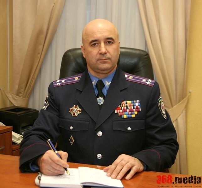 Экс-начальник ГАИ Украины избил волонтера и сжег его автомобиль