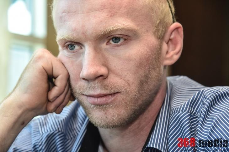 «На блокпостах в АТО собирают около миллиона гривен в день» – дорожный активист Максим Магера