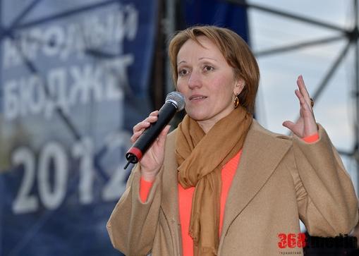 Главный одесский финансист получила большую квартиру и авто стоимостью в 900 тысяч гривен