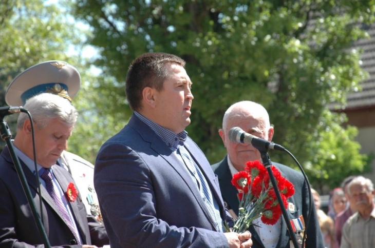 Мэр Татарбунар Виктор Швец (слева) и депутат облсовета Игорь Белинский (в центре)