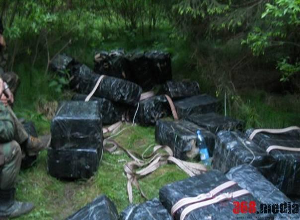Черновицкие контрабандисты пытались переправить через границу полсотни ящиков сигарет