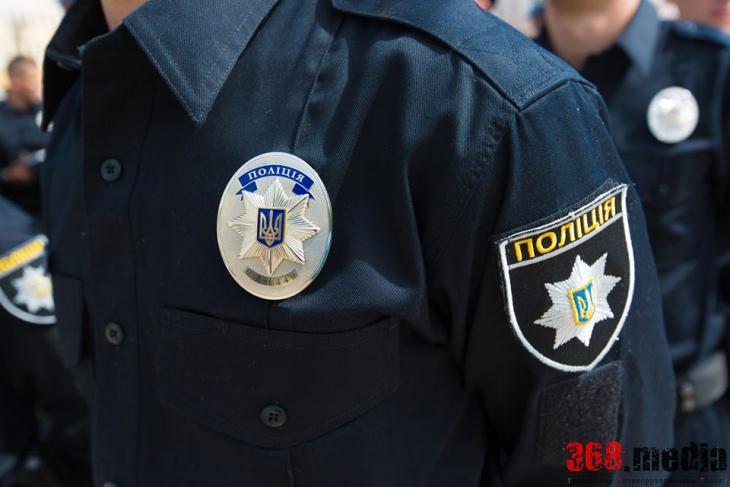 Киевлянка сбила и покусала патрульного полицейского