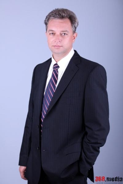 Одесский депутат арендует теплоход и содержит многодетную семью на 35 тысяч гривен в год
