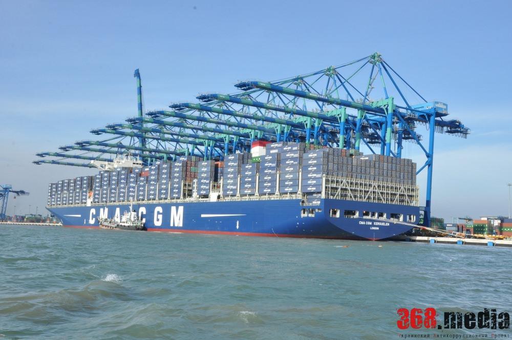 «Эффективный» менеджмент Крука: Ильичевский порт покидает мировой контейнерный перевозчик