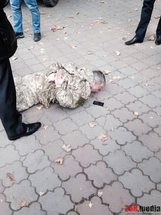Начальника военного аэродрома в Одессе будут судить за взятку