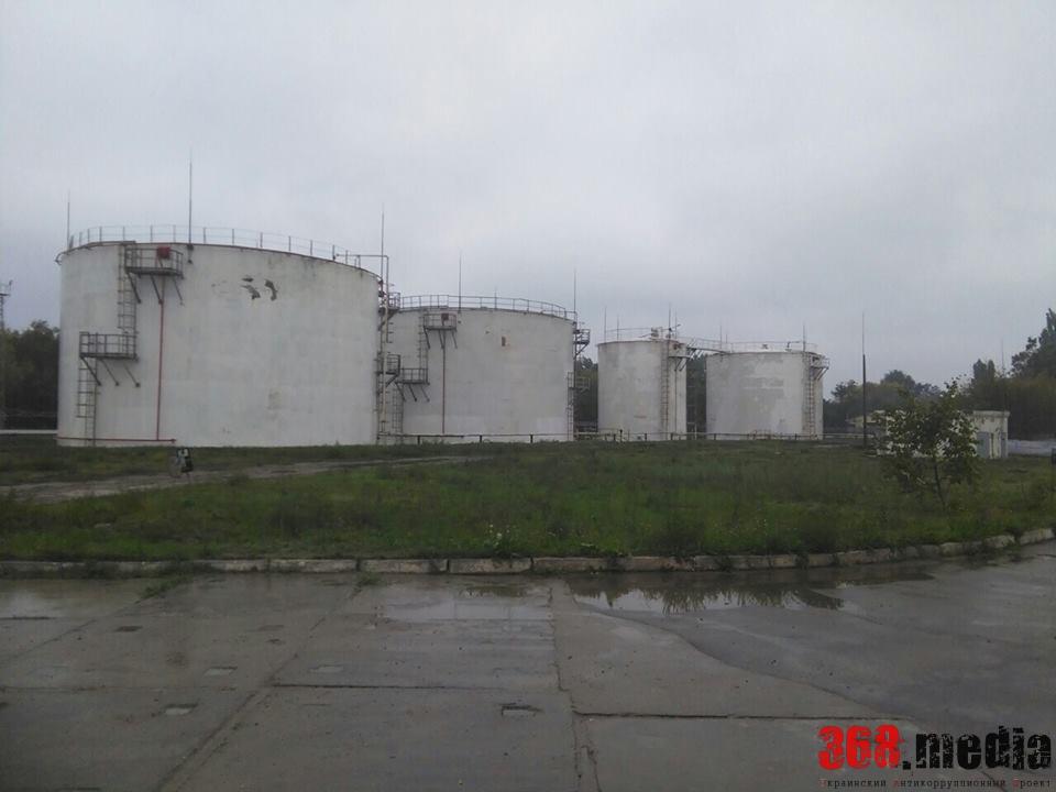 «ПриватБанк» решил сдать в аренду 15 нефтебаз