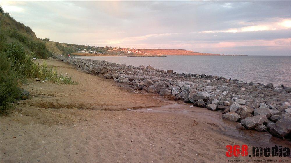 В курортном поселке под Одессой растратили три миллиона гривен на берегоукрепительные работы