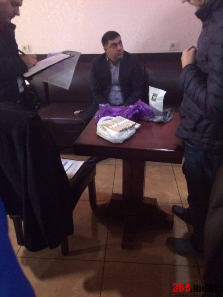 В Одессе чиновник Минобороны попался на взятке в 500 тысяч гривен (фото)