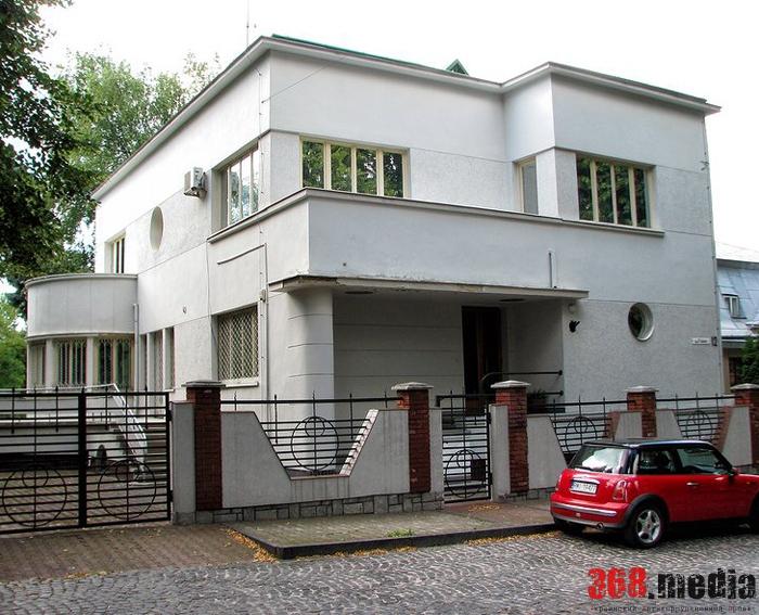 Львовский ресторатор купил резиденцию президента со скидкой в девять миллионов гривен