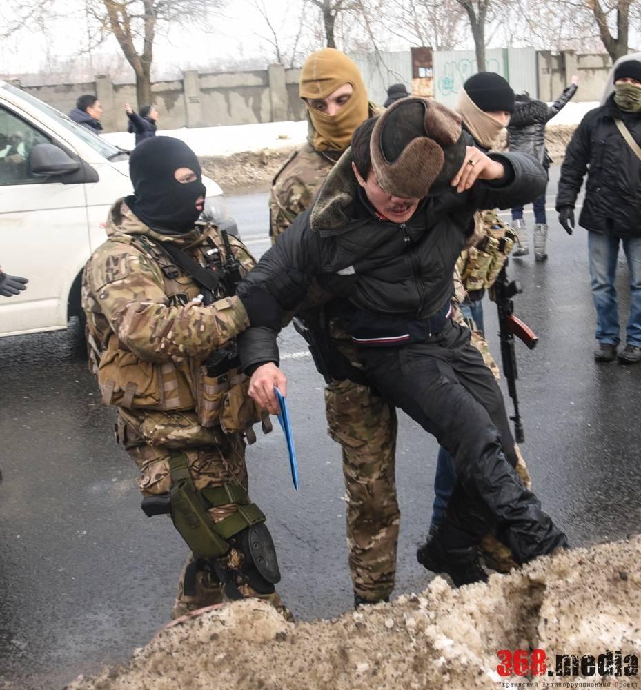 В Одессе произошла потасовка между вьетнамцами и спецназом СБУ (фото)
