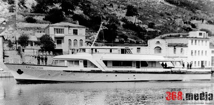 В Одесском порту затонул катер Брежнева