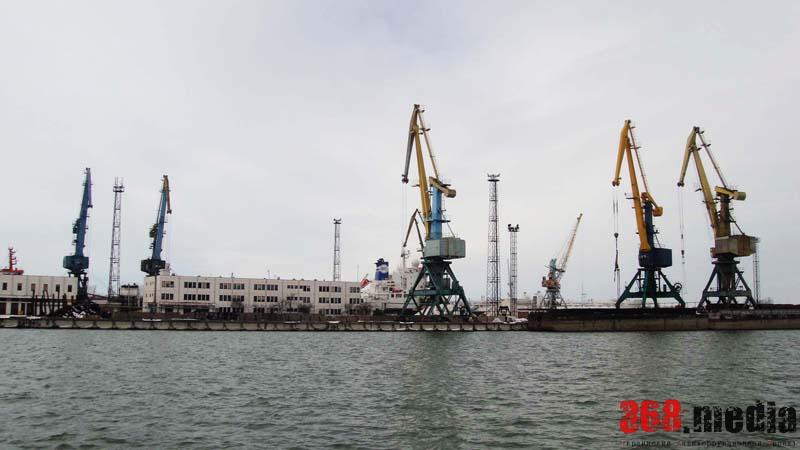 Ренийский порт перед концессией «режут» на металл для оплаты долгов по зарплатам