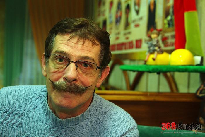 Борис Барский рассказал о «внутреннем смехе» и как появились его знаменитые усы
