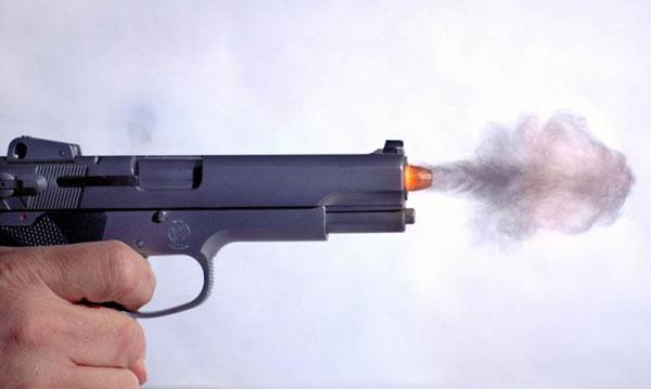 В Винниках мужчина выстрелил в охранника больницы