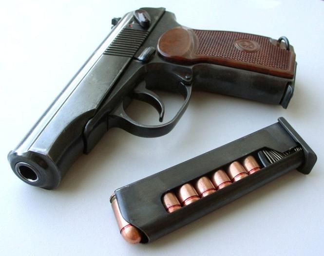 В зоне ООС солдат украл у коллеги пистолет для продажи