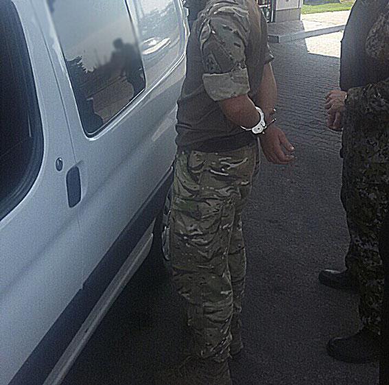 Ровенский пограничник требовал взятку в размере 30% стоимости контрабанды