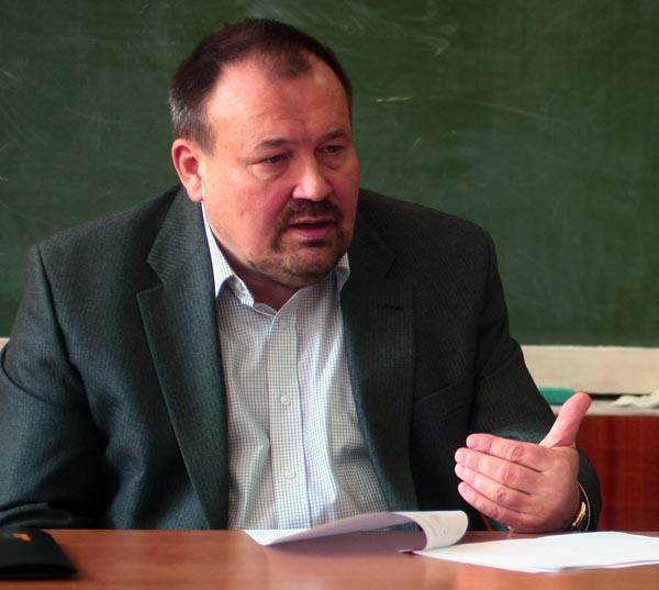 Глава Фонда госимущества в Одессе получает матпомощь, храня 58 тысяч долларов наличными