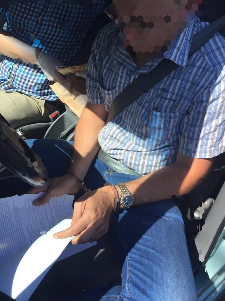 В одесской миграционной службе задержали двух мелких взяточников