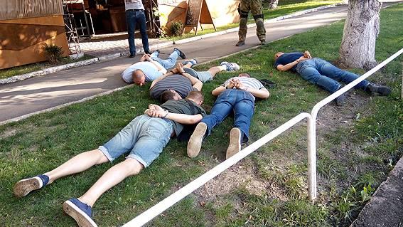 ВПолтаве задержали банду вымогателей