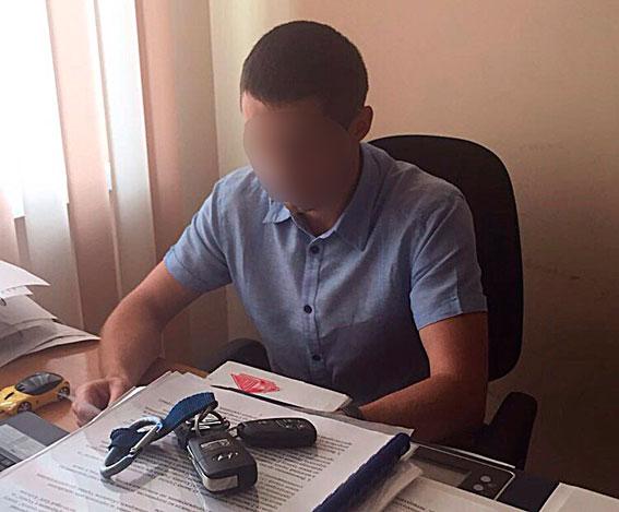 Дело оквасе. ВКиеве милиция задержала навзятке 2-х чиновников