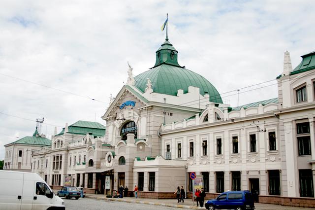 Начальника ж/д вокзала вЧерновцах задержали заполучение взятки