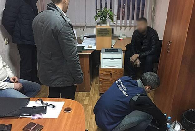 В «Харьковводоканале» обнаружили взяточника