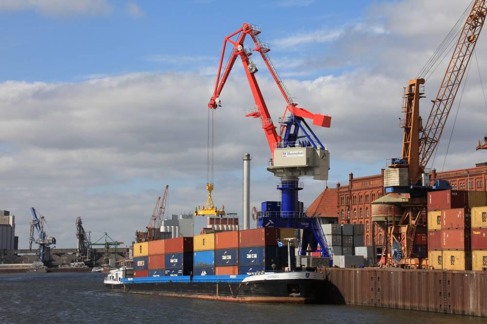 Негодные краны для порта Южный купили по коррупционной схеме