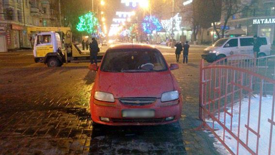 ВМариуполе нетрезвый полицейский устроил трагедию ихотел сбежать
