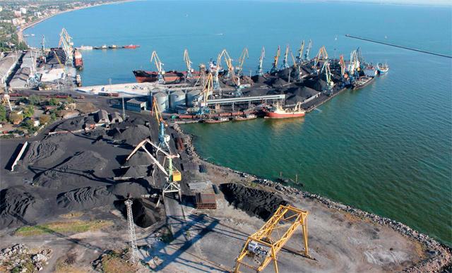 Бердянские портовики обвинили замминистра инфраструктуры в коррупции
