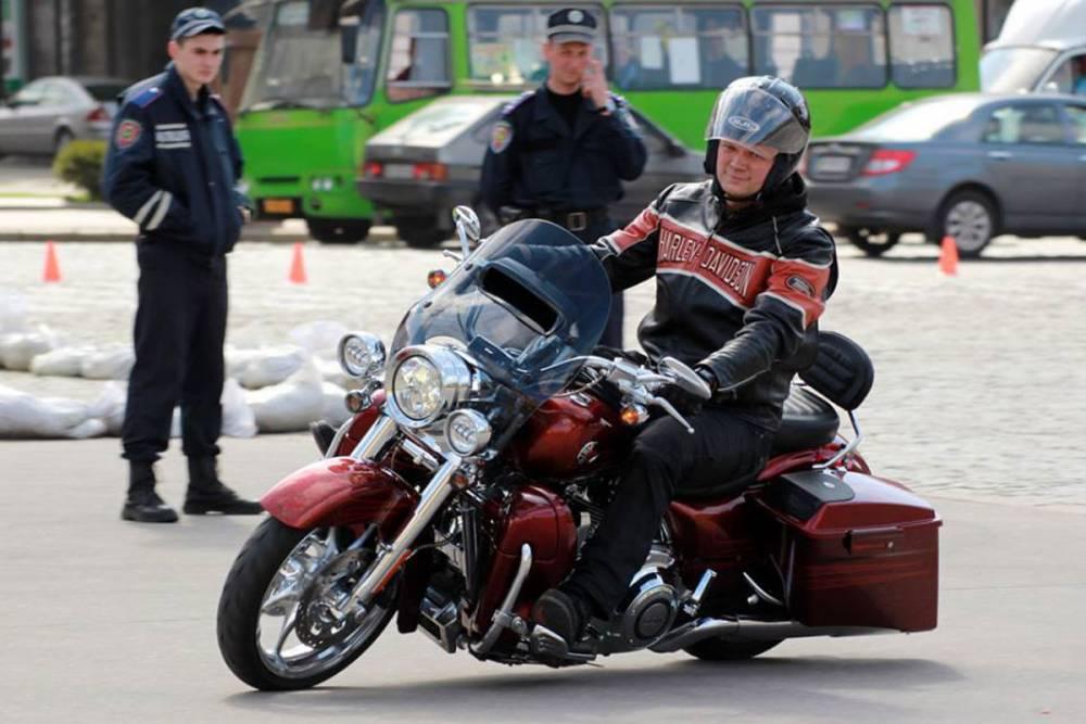 Мотоцикл для министра: дело Швайки «зависло» в ГПУ