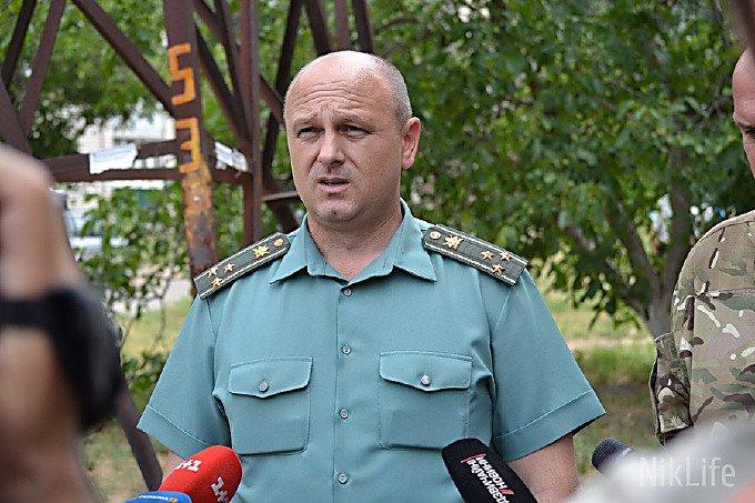 Военком Николаевской области возил семью в Крым на служебном авто