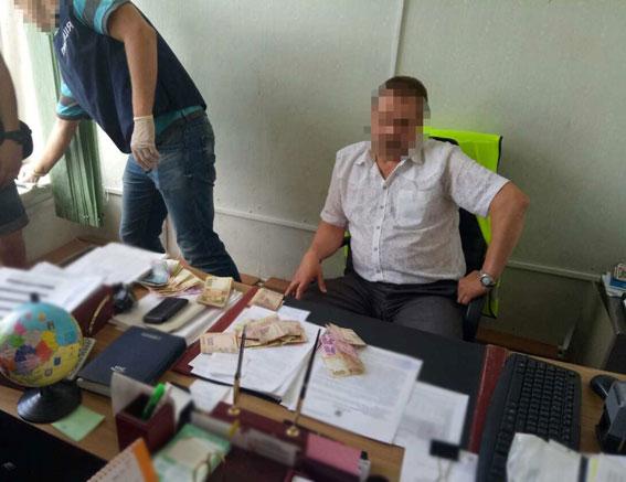Глава «Уктрансбезопасности» в Черниговской области попался на мелкой взятке