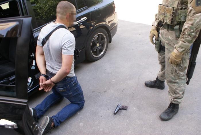 В Запорожье СБУ жестко задержала банду полицейских