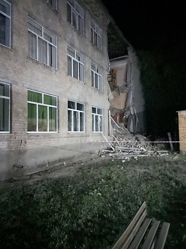 В Новом Буге обрушилась часть отремонтированной школы