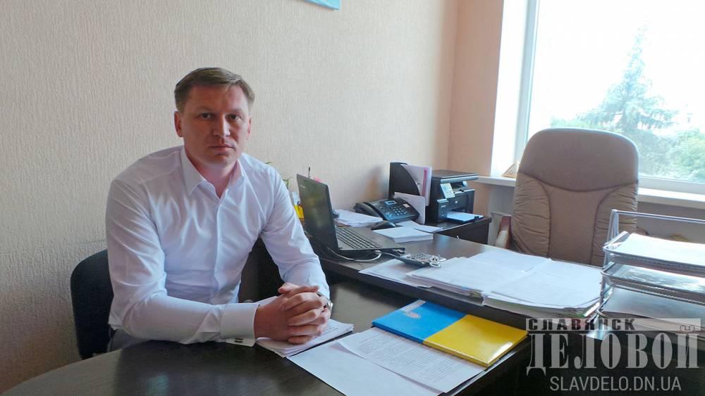 Полиция расследует, как семья чиновника мэрии Славянска купила шесть квартир в столице