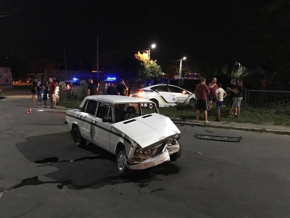 В Здолбунове пьяный водитель врезался в полицейских: пострадало четверо патрульных
