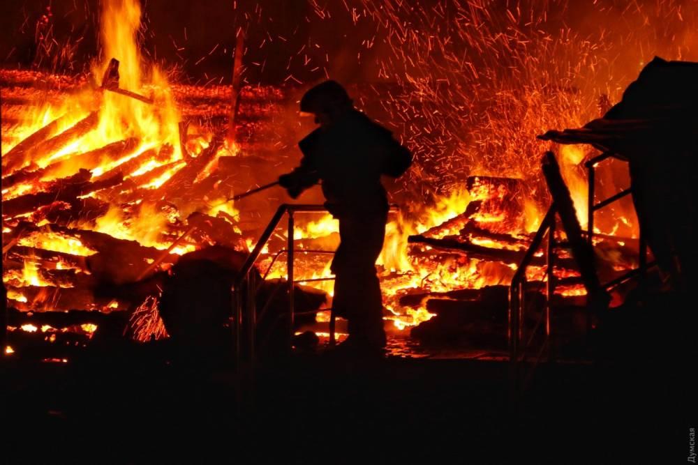 В Одессе сгорел детский лагерь, которая мэрия обновила за 33 млн гривен: погибли три девочки