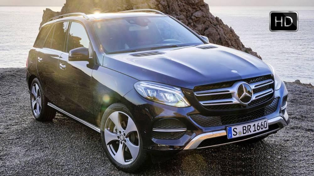 В Харькове топ-офицер полиции купил элитный Mercedes
