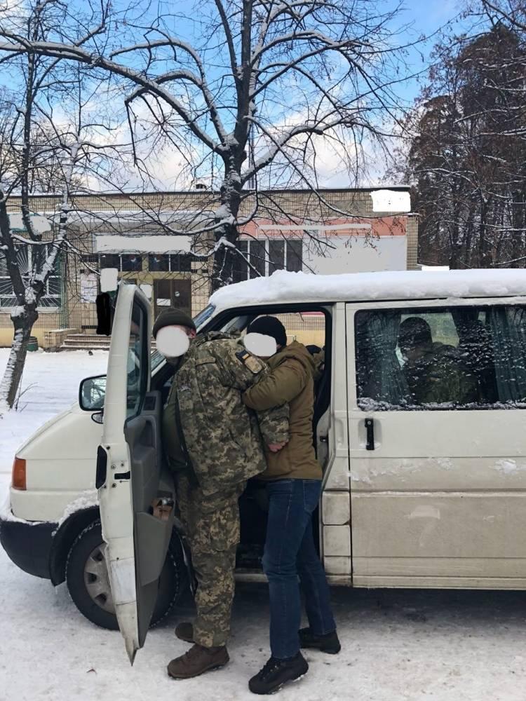 Подполковник учебного центра «Десна» шантажировал солдат