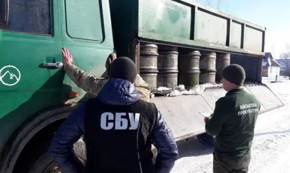 В Бердичеве офицеры продавали армейское топливо