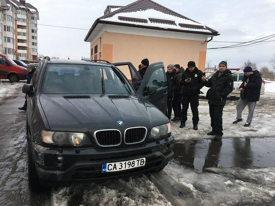 В Буче пьяный военком разбил несколько машин